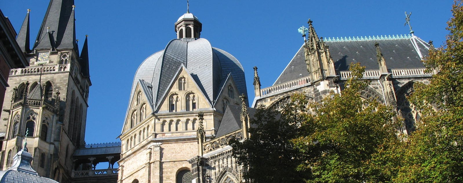 111015_aachen_cathedral-05_start
